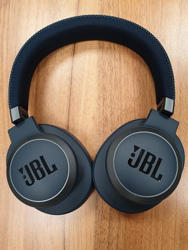 беспроводные наушники с шумоподавлением JBL Live 650BTNC вид сверху