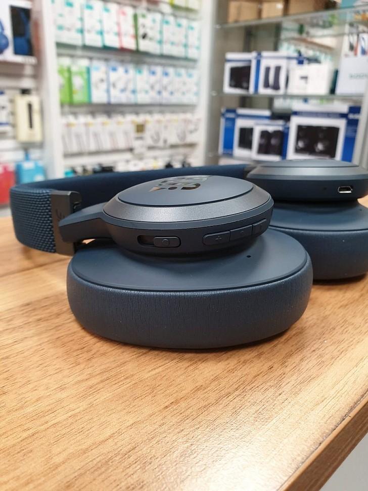 беспроводные наушники с шумоподавлением JBL Live 650BTNC кнопки управления
